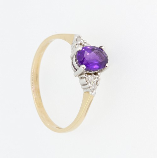 Amethyst & Diamond 9ct gold ring