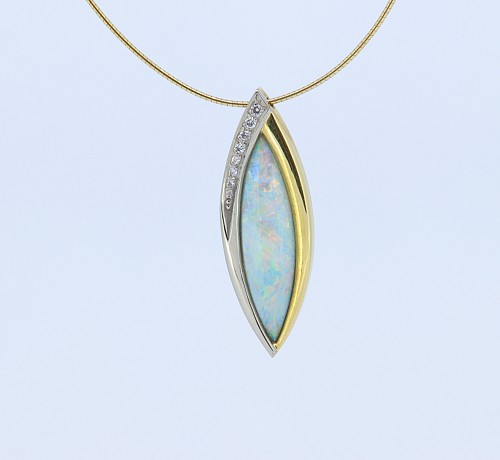 Opal & Diamond 18ct gold Pendant