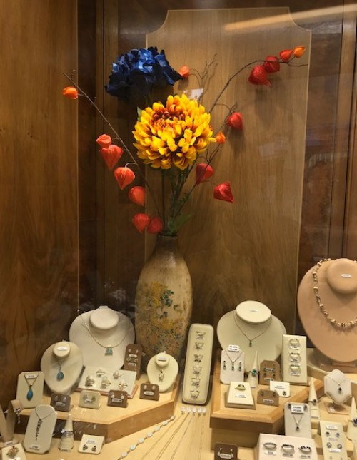 Autumn 19 flower display Clement White Jewellers